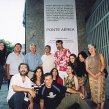 2004 S brazílskymi umelcami pred galériou v Rio de Janeiro With Brazilian artists in front of a gallery in Rio de Janeiro